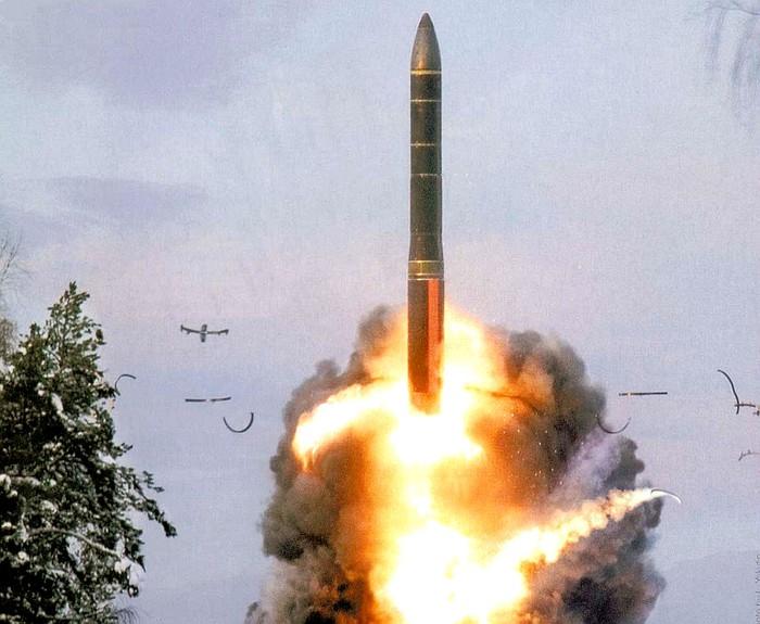 Tướng Nga tiết lộ có thể ngừng sử dụng vũ khí hạt nhân làm biện pháp răn đe - Ảnh 1