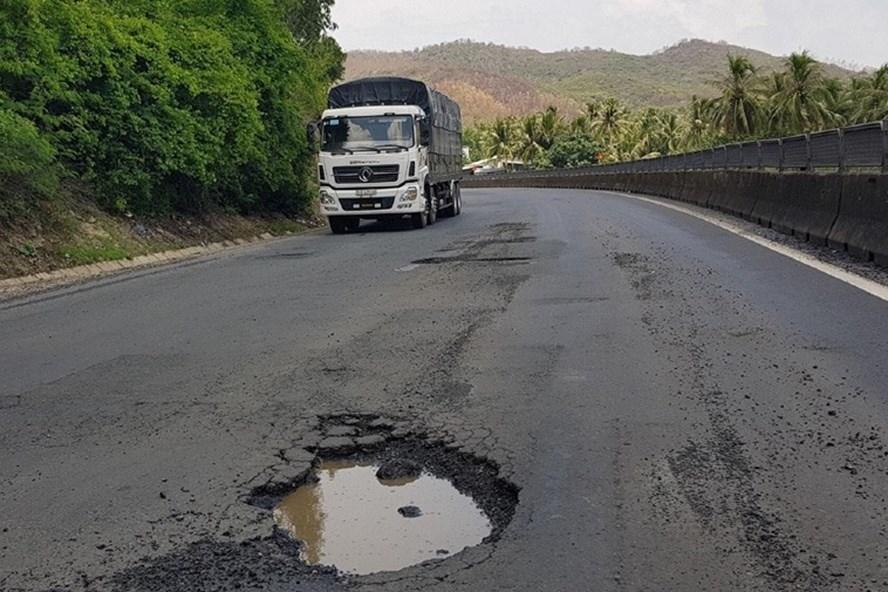 Dự án mở rộng quốc lộ 1 đoạn Bình Định - Phú Yên dính hàng loạt sai phạm - Ảnh 1