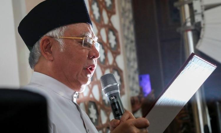 Bị cáo buộc ra lệnh giết người, cựu Thủ tướng Malaysia thề để chứng minh trong sạch - Ảnh 1