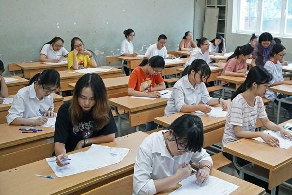 Vụ 3.000 học sinh lớp 9 thi lại vì điểm thấp: UBND quận Thanh xuân yêu cầu thanh tra quy trình ra đề - Ảnh 1