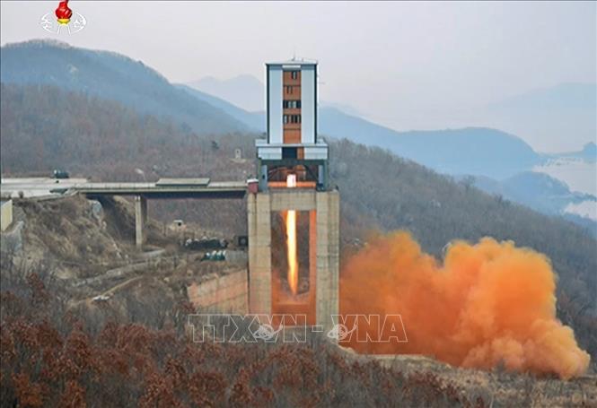 Truyền thông Triều Tiên giới thiệu các vụ phóng vệ tinh nhân tạo  - Ảnh 1