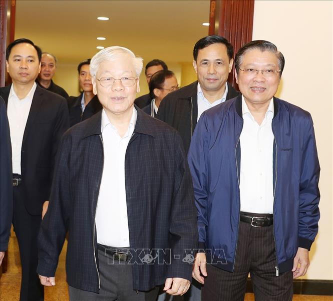 Tổng Bí thư, Chủ tịch nước Nguyễn Phú Trọng chủ trì họp Bộ Chính trị - Ảnh 2