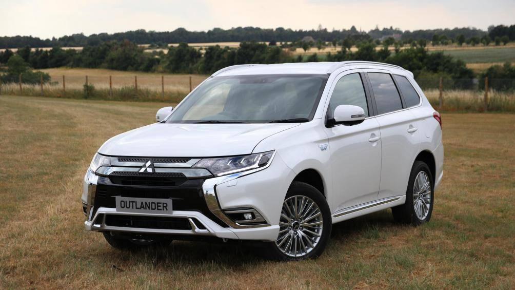 Bảng giá xe Mitsubishi mới nhất tháng 12/2019: Mitsubishi Outlander nhận ưu đãi tới hơn 140 triệu đồng - Ảnh 1