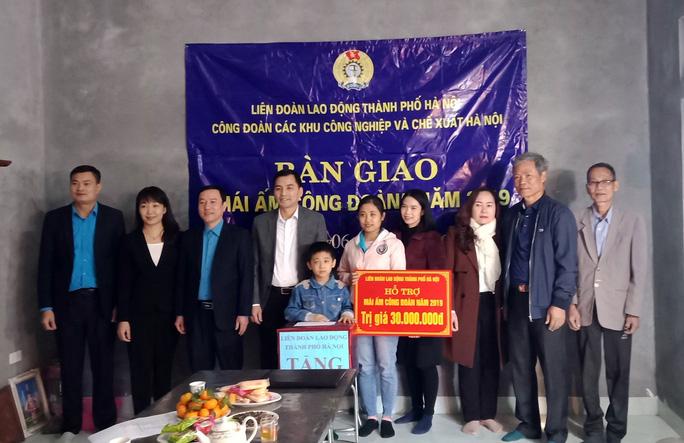 """Hà Nội: Bàn giao """"mái ấm công đoàn"""", giúp công nhân nghèo an cư - Ảnh 1"""