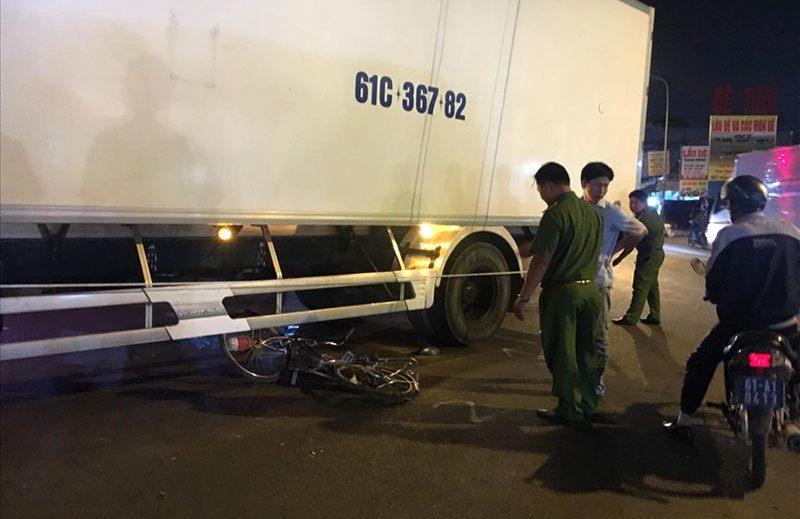 Tin tai nạn giao thông mới nhất ngày 16/3/2019: Xế hộp bốc cháy dữ dội sau va chạm xe bán tải - Ảnh 4