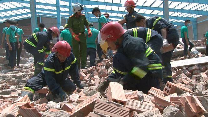 Vụ sập tường nhiều người chết ở Vĩnh Long: Thêm một nạn nhân tử vong  - Ảnh 1
