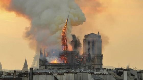 Vụ cháy Nhà thờ Đức Bà Paris: Chi phí phục dựng có thể lên tới hơn 1 tỷ Euro - Ảnh 2