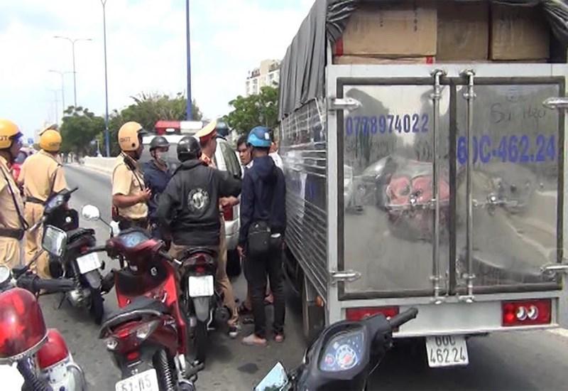Hành trình truy đuổi và bắt giữ 1,1 tấn ma túy trên xe tải như phim hành động - Ảnh 1