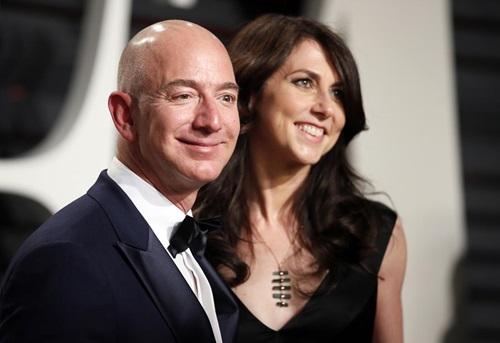 Sau 2 tuần chia tiền ly hôn, tài sản vợ cũ CEO Amazon đã tăng thêm 1 tỉ USD  - Ảnh 1
