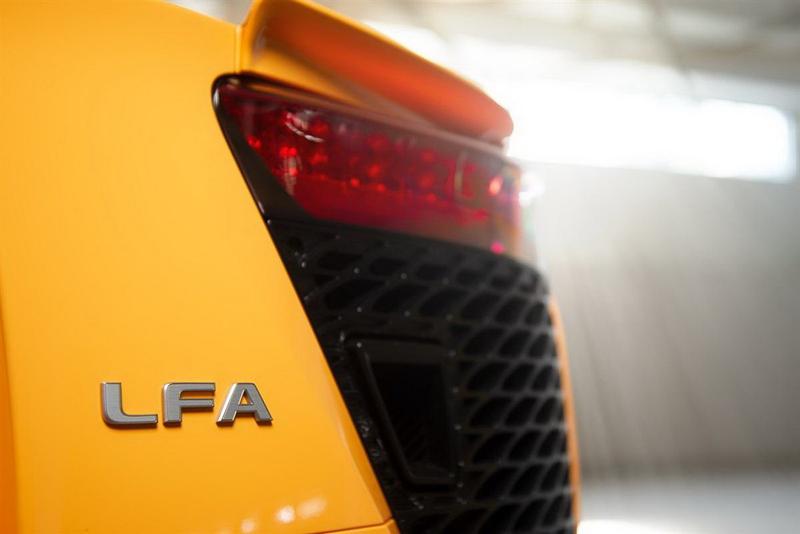 """Lexus LFA Nurburgring Edition """"hàng độc"""" được rao bán giá 580.000 USD - Ảnh 5"""