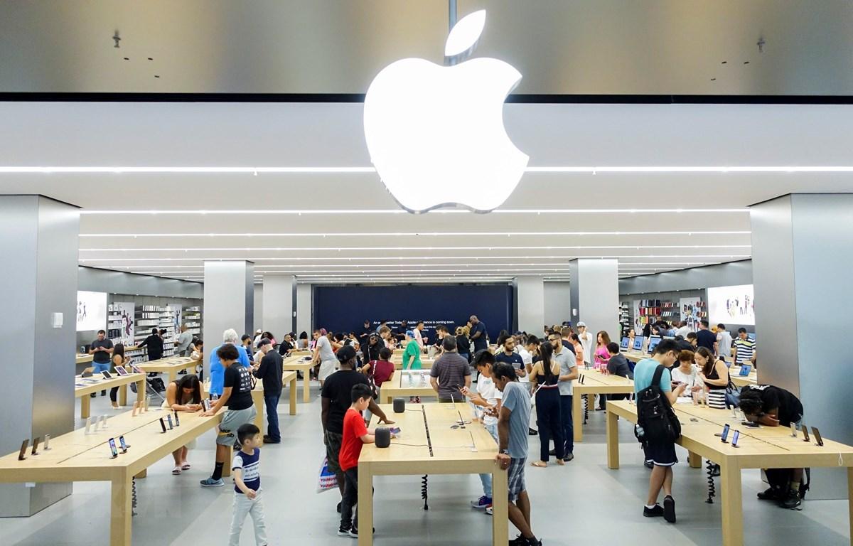 Doanh số iPhone sụt giảm bi đát, Apple vẫn đạt mốc vốn hóa 1 nghìn tỷ USD - Ảnh 1