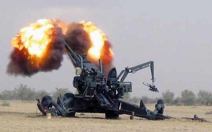 Ấn Độ và Pakistan lại đấu súng, bất chấp thỏa thuận ngừng bắn đã ký kết - Ảnh 1