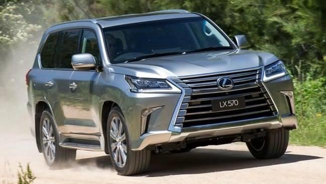 """Bảng giá Lexus mới nhất tháng 5/2019: """"Chuyên cơ mặt đất"""" LX570 vẫn án ngữ mức 8,18 tỷ đồng - Ảnh 1"""