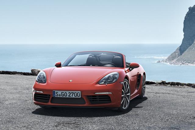 """Bảng giá Porsche mới nhất tháng 5/2019: 718 Boxster giá """"mềm"""" nhất từ 3,6 tỷ đồng - Ảnh 1"""