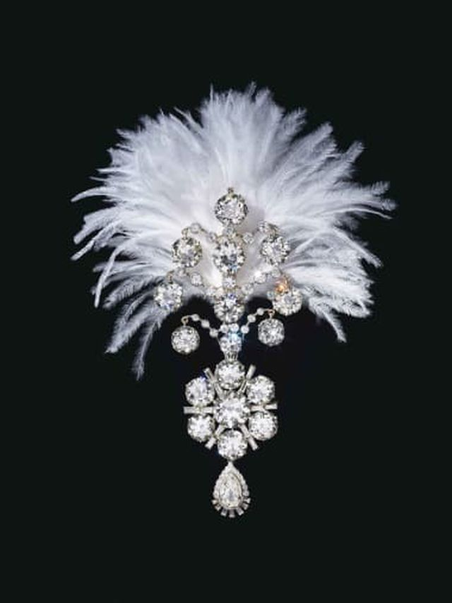 Kho báu đầy trang sức, đá quý trị giá 2,7 nghìn tỷ sắp được đấu giá - Ảnh 3