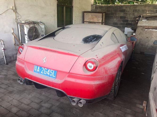 """Siêu xe Ferrari 599 GTB chuẩn bị được thanh lý """"đồng nát"""" với giá chưa tới 6 triệu đồng - Ảnh 1"""