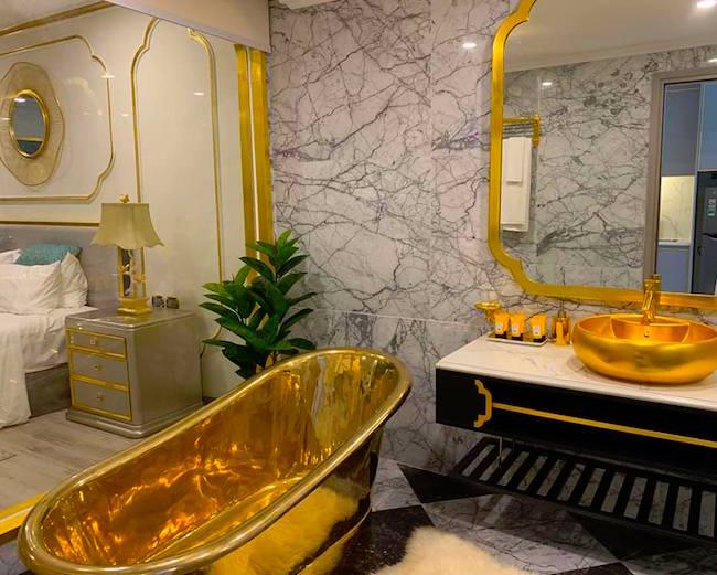 """Đại gia """"Đường bia"""" bán lâu đài nội thất dát vàng 10 triệu USD - Ảnh 1"""