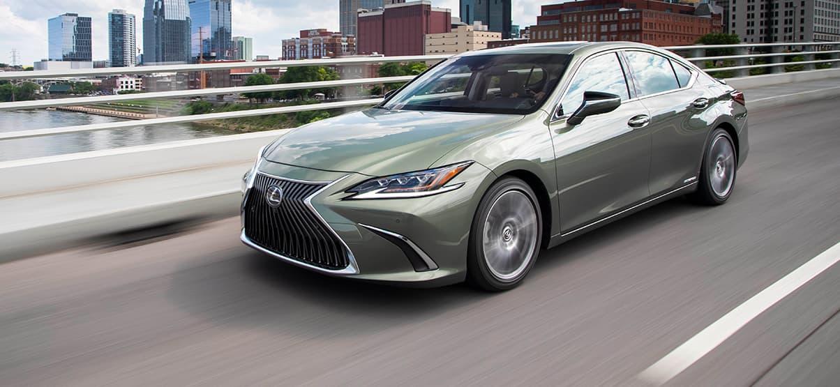 Bảng giá xe Lexus mới nhất tháng 6/2019: LX 570 giá niêm yết hơn 8 tỷ đồng - Ảnh 1
