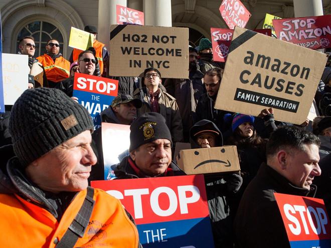 Hàng nghìn nhân viên Amazon giận dữ đình công phản đối ngày mua sắm Prime Day - Ảnh 1