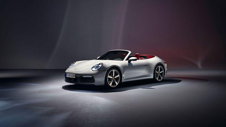 Porsche giới thiệu hai phiên bản đẹp long lanh của 911 Carrera, giá từ 97.400 USD - Ảnh 2