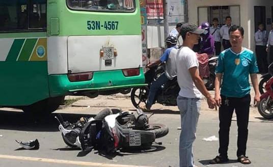 TP.HCM: Va chạm xe buýt, cô gái ngã xuống đường tử vong  - Ảnh 1