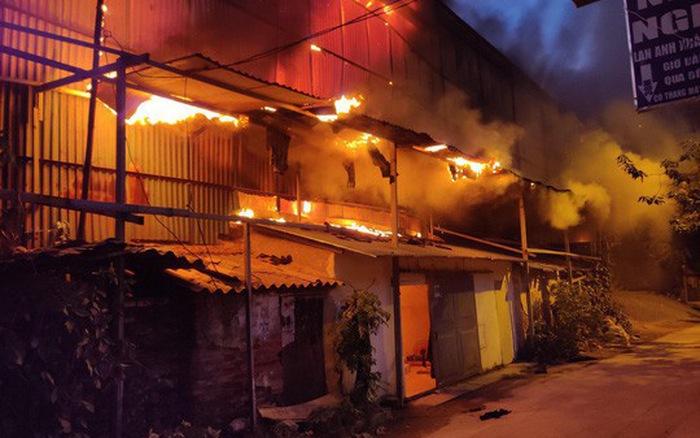 Chậm công bố thông tin thiệt hại sau vụ hỏa hoạn, Rạng Đông bị HOSE nhắc nhở - Ảnh 1
