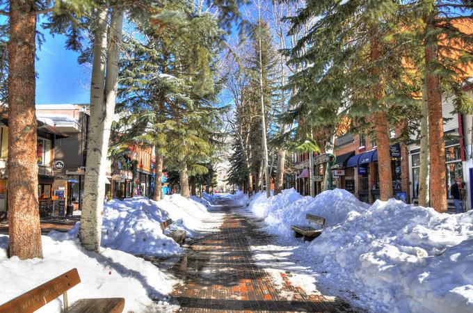 Thị trấn nhỏ ở Mỹ có gì đặc biệt mà khiến giới nhà giàu đổ vài chục triệu đô để mua một căn nhà? - Ảnh 2