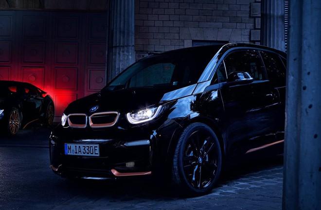 Cận cảnh hai phiên bản đặc biệt vừa ra mắt của BMW dành cho giới chơi xe điệu nghệ - Ảnh 3