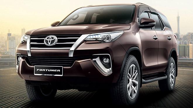 Toyota Fortuner sắp được trang bị màn hình cảm ứng mới tích hợp Apple CarPlay và Android Auto - Ảnh 1