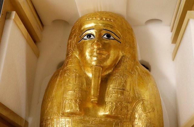 Mỹ trả quan tài mạ vàng của thầy tế cổ đại cho Ai Cập - Ảnh 1