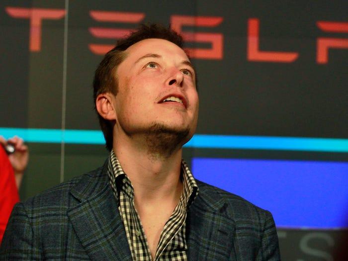 Tỷ phú Elon Musk đã làm cách nào để sở hữu núi tiền khổng lồ tới 30,2 tỷ USD? - Ảnh 2