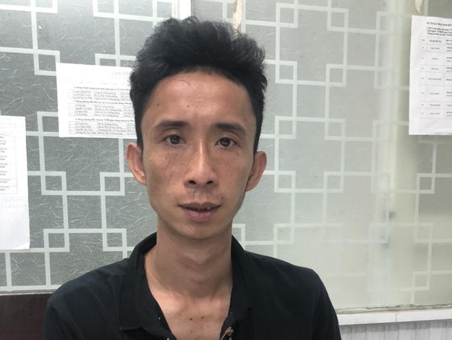 Kẻ đâm tài xế xe ôm công nghệ ở TP.HCM bị tóm gọn khi đang qua Đà Nẵng - Ảnh 1