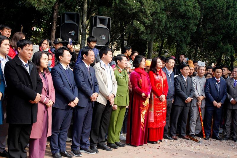 Khai hội chùa Hương Xuân Canh Tý 2020: Hàng vạn du khách nô nức chen chân dự lễ - Ảnh 7
