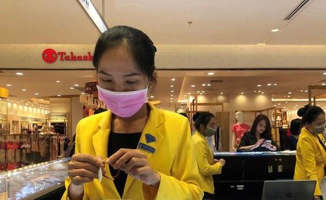 Lo ngại dịch do virus Corona, hàng loạt doanh nghiệp tạo điều kiện cho nhân viên làm việc tại nhà  - Ảnh 1