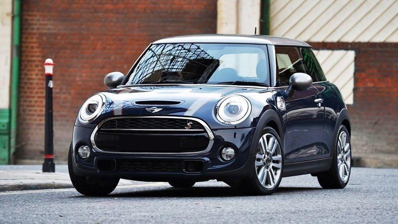 Bảng giá xe Mini Cooper mới nhất tháng 1/2020: Mini One 5 Door giá niêm yết 1,529 tỷ đồng - Ảnh 1