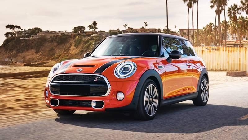 Bảng giá xe Mini Cooper mới nhất tháng 2/2020: Giá dao động từ 1,5 đến 2,7 tỷ đồng - Ảnh 1