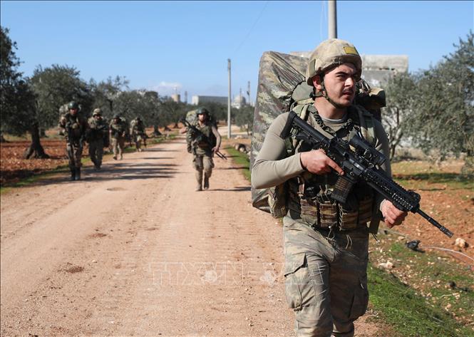 Lực lượng Thổ Nhĩ Kỳ ở Syria bắn máy bay của Nga bằng tên lửa vác vai - Ảnh 1