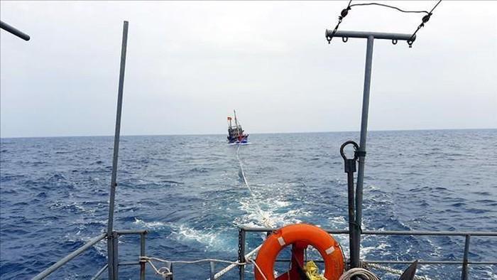 Hành trình cứu sống 6 thuyền viên gặp nạn trên biển ở Nghệ An - Ảnh 1