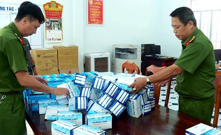 Khánh Hòa: Thu giữ 25.000 khẩu trang y tế không hóa đơn - Ảnh 1
