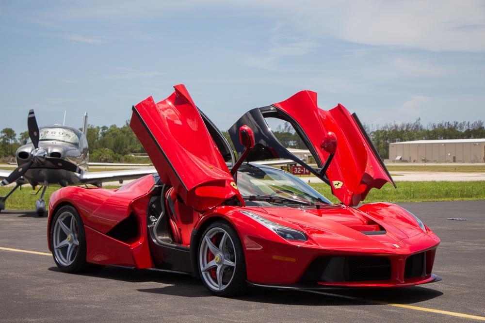 """Tiếp bước """"đồng hương"""", hãng siêu xe Ferrari bất ngờ thông báo tạm dừng sản xuất  - Ảnh 1"""