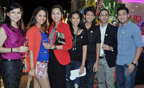 """8 người con xinh đẹp, tài năng của """"vua hàng hiệu"""" Johnathan Hạnh Nguyễn - Ảnh 4"""