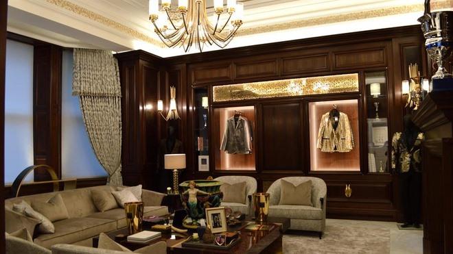 Siêu biệt thự nước Anh dùng 20.000 miếng vàng lá để ốp nội thất hiện nằm trong tay đại gia nào? - Ảnh 6
