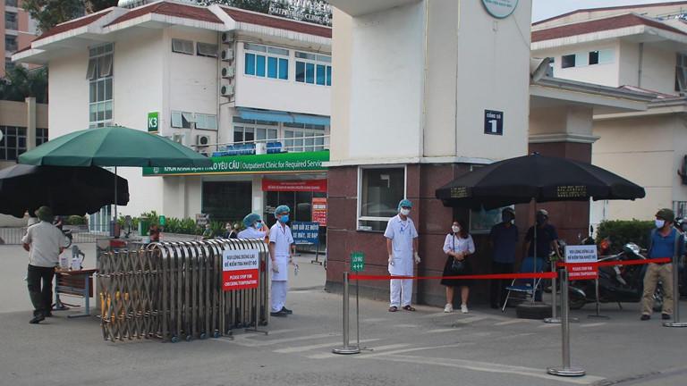 Thêm 3 ca mắc Covid-19 tại Bệnh viện Bạch Mai, nâng tổng số ca nhiễm lên 174 - Ảnh 1