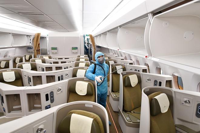 Vietnam Airlines cắt giảm khai thác, chỉ còn duy trì 8 đường bay nội địa - Ảnh 1