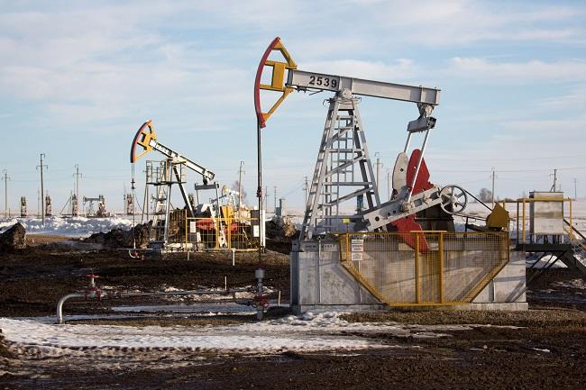 Saudi Arabia và Nga thỏa thuận cắt giảm hơn 5 triệu thùng dầu/ngày  - Ảnh 1