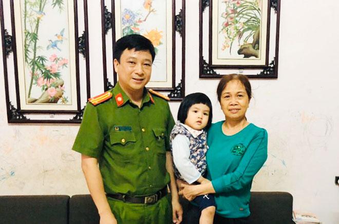 Đi kiểm tra chống dịch, Phó Trưởng Công an huyện cứu sống bé gái 3 tuổi bị ngã xuống hồ - Ảnh 1