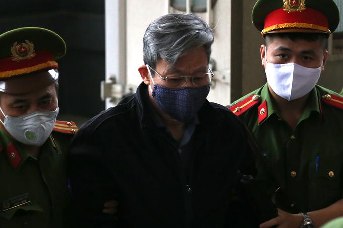 Cựu Bộ trưởng Nguyễn Bắc Son cùng đồng phạm hầu tòa phúc thẩm, 17 luật sư tham gia - Ảnh 2