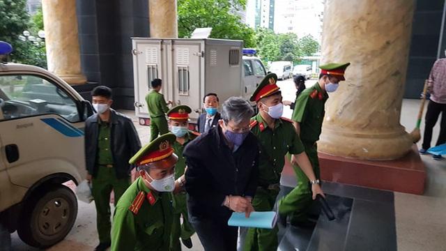 Cựu Bộ trưởng Nguyễn Bắc Son cùng đồng phạm hầu tòa phúc thẩm, 17 luật sư tham gia - Ảnh 1
