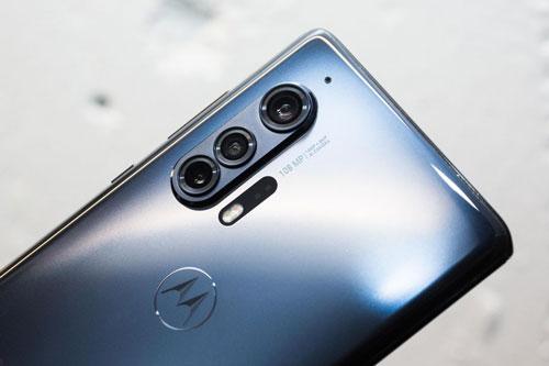 """Motorola quay trở lại cuộc đua smartphone, trình làng siêu phẩm Edge Plus giá hơn 23 triệu, pin cực """"trâu"""" - Ảnh 3"""