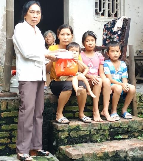 Chủ tịch Hội Chữ thập đỏ 30 năm gắn bó với công tác nhân đạo - Ảnh 2